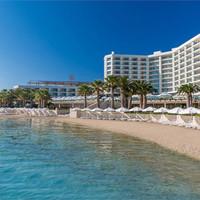 Boyalık Beach Hotel & SPA ve İlker Yeşilmen